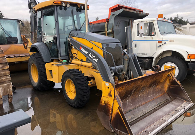 John Deere 410k Backhoe Loader